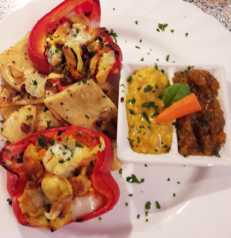 Gefüllte Paprika mit Selleriebratkartoffeln